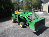 Newer John Deere 2210 4X4 with loader and only 300 hrs