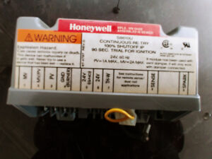 Honeywell S8610U 1003 Replacement Ignition Module for Furnaces