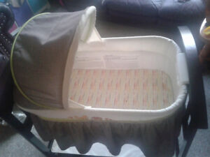 Baby Rocking Bassinet in good condition
