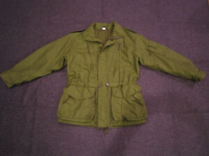 Mens Medium / Large Canadian Forces Army Surplus Jacket