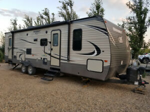2017 Hideout 28BHS or Trade for 5th Wheel