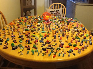 *WOW* 250 COMPLETE KINDER EGG TOYS AND GIANT BAG OF PARTS London Ontario image 1