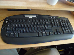 Microsoft Digital Media keyboard USB .