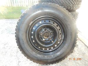 pneus d hiver P205-70-R15 Saint-Hyacinthe Québec image 2