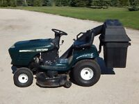 CRAFTSMAN 19.5 hp-- 42 inch HYDRO STATIC DRIVE RIDING MOWER