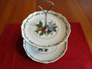 PORTMEIRION The Holly & The Ivy 2-Tier Plate