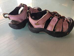 Keen Girl sandals size 8