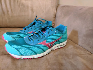 Women's Mizuno Running Shoes