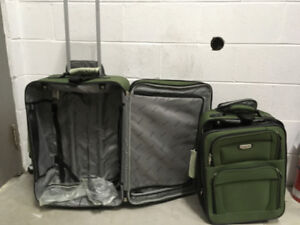 Tracker suitcases, 2 pieces