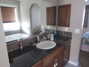 Gorgeous House in Beautiful Summerside Lake for Rent