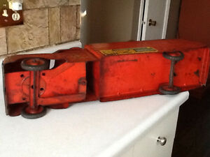 *VERY RARE* 1940S MARX RIDE ON FIRE TRUCK WITH BELL London Ontario image 8