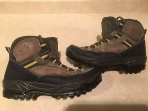Women's Sorel Rock-Hi Sage Hiking Boots Size 8 London Ontario image 1