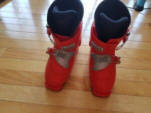 Kid's Salomon ski boots