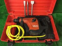 Hilti TE 40 AVR Combi Hammer Drill / Breaker Plus New Chisels.