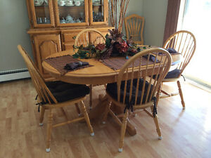 Solid Oak Table with Four Chair