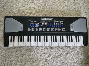 Techno-Beat Electronic Keyboard