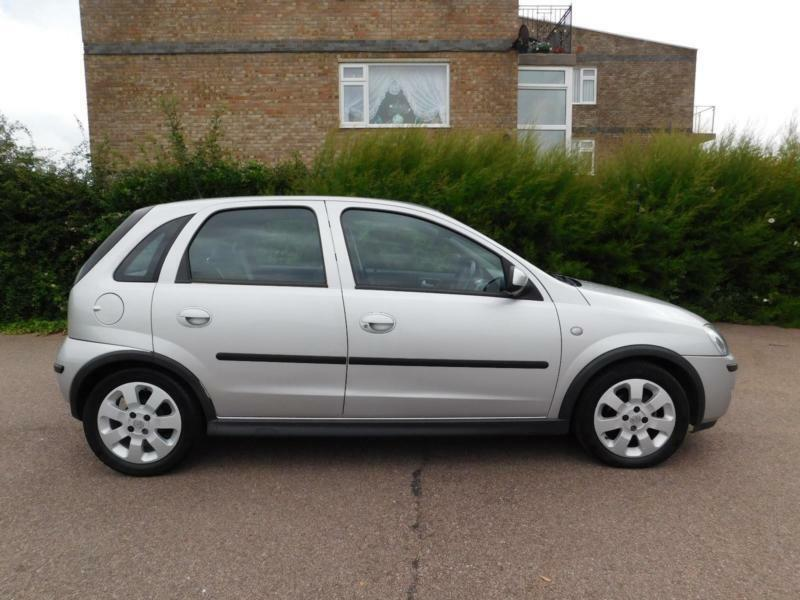 vauxhall opel corsa 16v a c 2005 5my sxi in clacton on sea essex gumtree. Black Bedroom Furniture Sets. Home Design Ideas