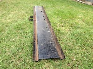 FRONT BUMPER FROM 1977 INTERNATIONAL LOADSTAR 1850 Windsor Region Ontario image 2