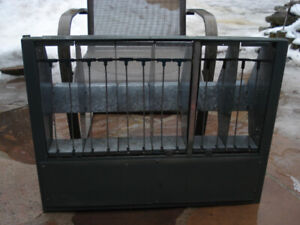 Pigeons Stall trap used for flying and Racing pigeons