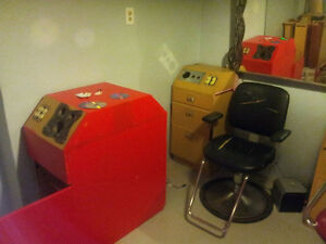 Beauty Salon Equipment Liquidation - Furniture includes 7 Statio Windsor Region Ontario image 6