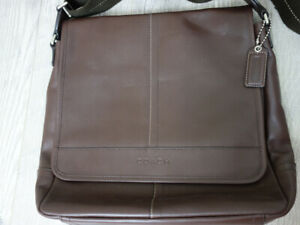 40b32a3f06be Coach Men s Messenger Bag