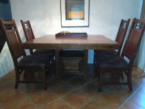 Solid Wood Din/Kit Table, Butterfly Ext Leaf, Four Chairs