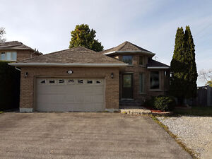 Bungalow in Courtice, 2-bed, 2-bath, (ALL UTILITIES INCLUDED)