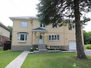 House Pointe Claire A Louer/ For Rent 4 bed/ 3 bath Maison
