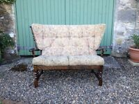 Ercol style sofa. Light but very comfortable. Delivery possible