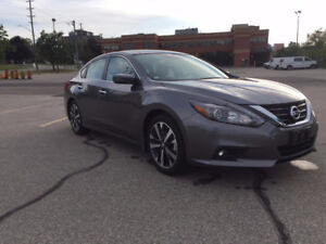 2016 Nissan Altima SR | No Accidents | Back-Up Camera | 9,000KM