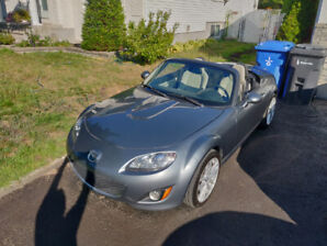 2011 Mazda MX-5 Miata GT Coupe Hard Top Automatique