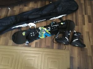 Kid's Morrow Snowboard with bindings, Firefly boots & bag