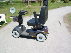 4 wheel Invacare Comet Hd Mobility Skooter