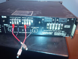 Crown Comtech 400 stereo Pro amp West Island Greater Montréal image 3