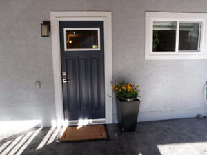 NEWLY RENOVATED 1100 SF LOWER SUITE-1 BR + Den
