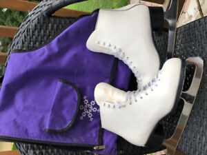 Ladies Figure Skates