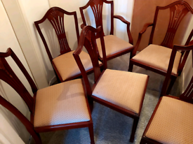 Dining Table + 6 chairs Beautiful solid set