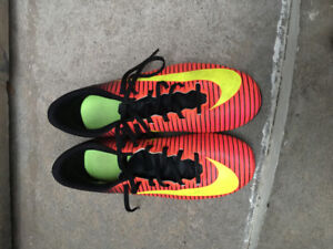 Soccer cleats (outdoor) NIKE Mercurial youth size 6.5