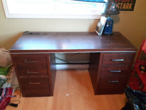 Large desk with power outlets/USB ports