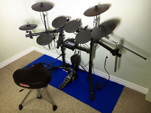 Electric V-Drums Roland TD-3 w/Twin Pedal & Extra Cymbal