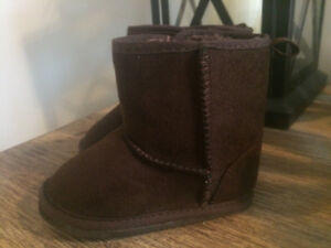 Brand new without tags Joe Fresh Unisex boot