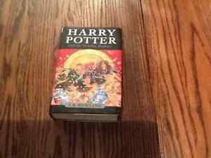 Harry Potter and The Deathly Hallows (Hardcopy)