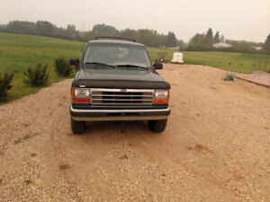 Ford explorer 4 x 4 for sale