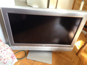 Toshiba Tlevision Receiver CT -90159  Theater Wide for sale