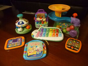 Lot of 8 toddler/baby toys