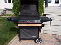 BROILKING NATURAL GAS BBQ