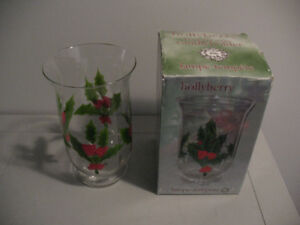 HOLLYBERRY CHRISTMAS HURRICANE CANDLEHOLDER
