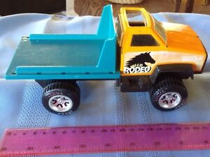 TONKA WILD RODEO METAL AND PLASTIC TRUCK WHITH DUMPING BED Gatineau Ottawa / Gatineau Area image 2