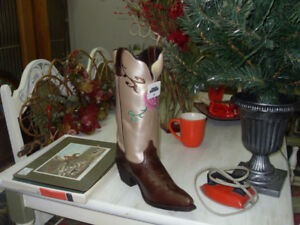 Cowgirl boots REDUCED