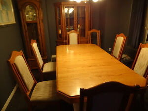 Oak Dinning Room Buffet  and  Matching Hutch  and 3 chairs  ONLY